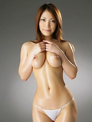 Sakura Kokomi Asian takes clothes off and shows big oiled boobs